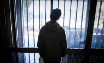 La infancia que murió en el encierro: El presente del joven condenado por el incendio de estación Pedrero
