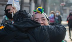 Día histórico: Fiesta y represión en el funeral de la…