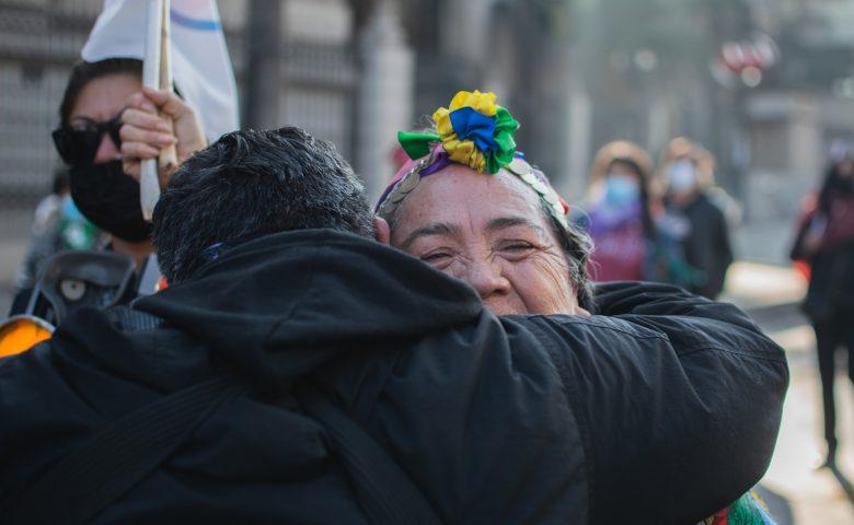 Día histórico: Fiesta y represión en el funeral de la Constitución de Pinochet